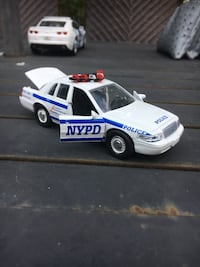 NYPD small Diecast police car, Crown Victoria, Bluebloods