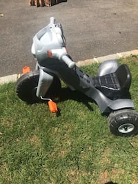 toddler's black and white ride on toy Malverne, 11565