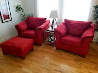 2 singles sofas with leg Pouf Longueuil, J4V 2S1
