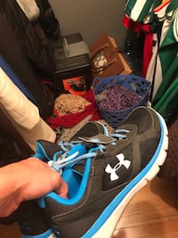 Size 10 under armor sneakers new Lowell, 01851