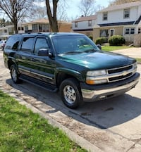 03 Chevy Suburban (Great Condition) Milwaukee