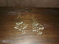 pair of beaded earrings Gatineau, J9H 6Z3
