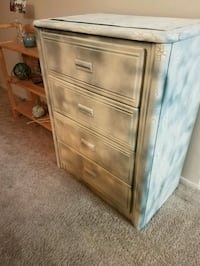 4 Drawer Dresser with Antique Crackle Design