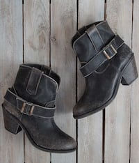 Corral Distressed Ankle Boots - like new Sandy, 97055