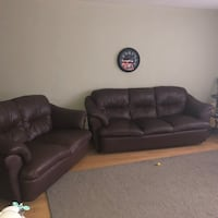black leather 3-seat sofa Mississauga, L4Y 2M3