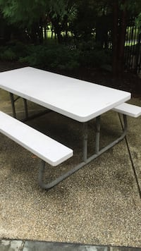 white folding picnic table Brookeville, 20833