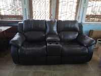 Leather Love seat. New Orleans, 70114
