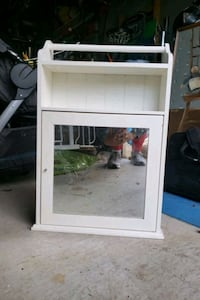 Wall mirror cabinet  Teaneck, 07666