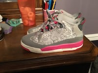 pair of gray-and-pink Air Jordan shoes Dover, 19904