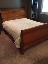 Oak Queen size sleigh bed with mattress  Lake Tapawingo, 64015