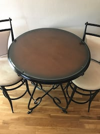 Bar Stool chairs and table West Des Moines, 50266