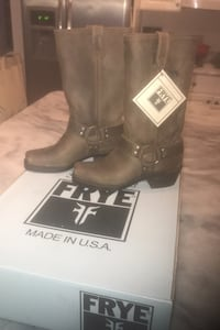 NEW FRYE Harness 12R size 5 1/2 women's  boots saddle brown Vienna, 22182