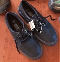 New!!  pair of size 5 boys shoes
