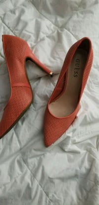 Guess (peach colored)  pointed heels North Highlands, 95660