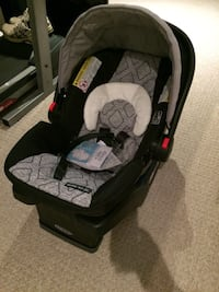 baby's black and gray car seat carrier Brampton, L6Z 3Z5