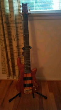 Bass guitar-6 string Springfield, 22150