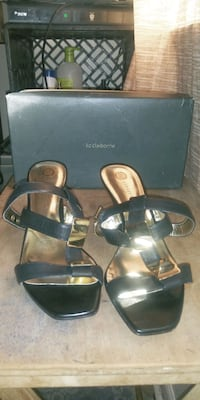 Nice brand new black pumps for the summer.  Size 10