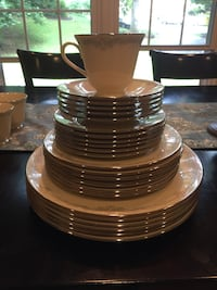 Lenox China Set  Oakton, 22124
