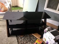 Tv stand  up to 65 inch Vancouver, V5R 6C4