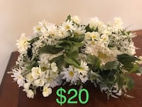 white and green petaled flowers 65 km