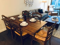 Wood dining table/console table and matching chairs 34 km