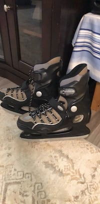black-and-gray inline skates Vancouver, V5R 6H8