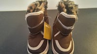 Size 6 kids boots with good insulation Calgary, T2E 1S7