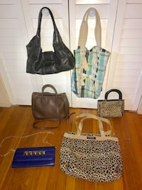 6 purses for 25$ Acton, 01720