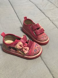 Toddler girls shoes  London, N6L 0B2