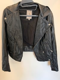 Guess leather jacket Calgary, T3R 1V1
