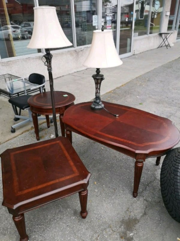 3 Bell table de salon  7874b7a9-8bcb-4552-959f-c8144d386d1f