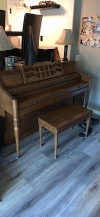 Piano Wurlitzer upright Portsmouth