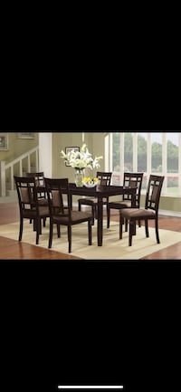 Table with 6 chairs Rockville