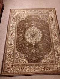 Brown traditional rug Mississauga, L5G 4L3