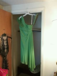 Dress with matching sandals. Green color