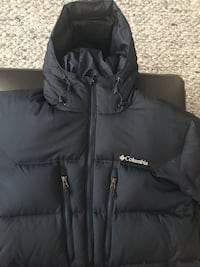 Columbia winter sports coat for men Size large Laval