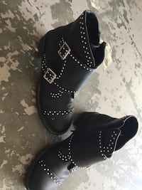pair of black leather boots WESTBANK