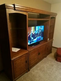 Like new 3 pc entertainment center Hastings, 68901