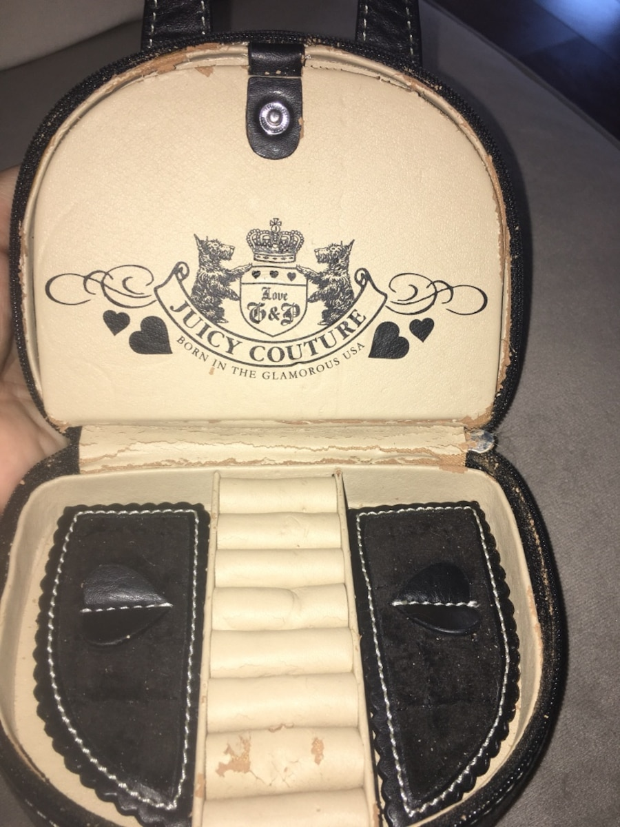 Juicy couture jewelry case - CA