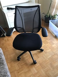 Desk chair Toronto, M9A 1V2