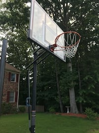 Basketball Hoop; Portable with Vertical Adjust 22 mi