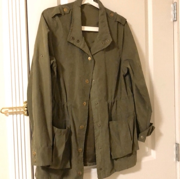 Army green jacket (adjustable) f79f143c-aef9-43c1-b4b6-c78d8a308780