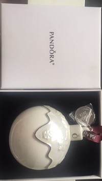 2018 Pandora Ornament (Brand New) Vaughan