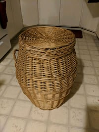 Weaved laundry basket