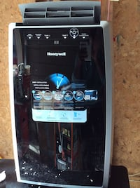 Honeywell portable air conditioner MN12CES Whitby, L1N 9B4