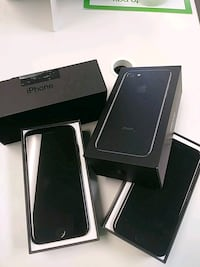 two jet black iPhone 7's with box Clinton, 39056