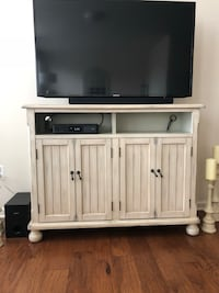 Kirkland's off white tv stand Ashburn