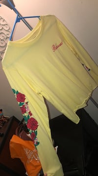 Brand new yellow top San Marcos, 78666