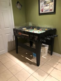 Easton game table Mississauga, L5M
