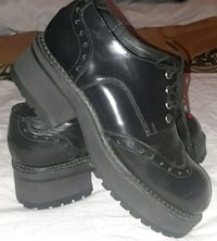 pair of black leather work boots Dallas, 75243